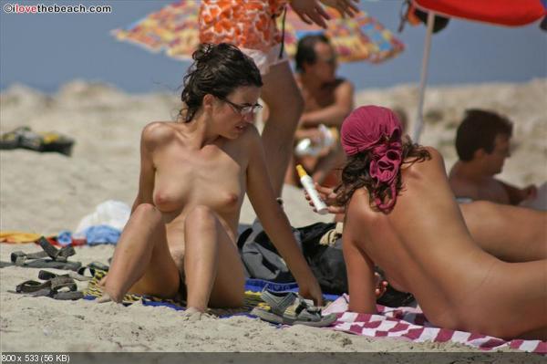 Видео и фото нудистских пляжей