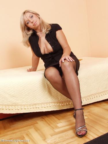 красивые ножки в босоножках видео сексуальные-цб2