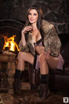 2013-11-15 Erika Knight Heated Moment